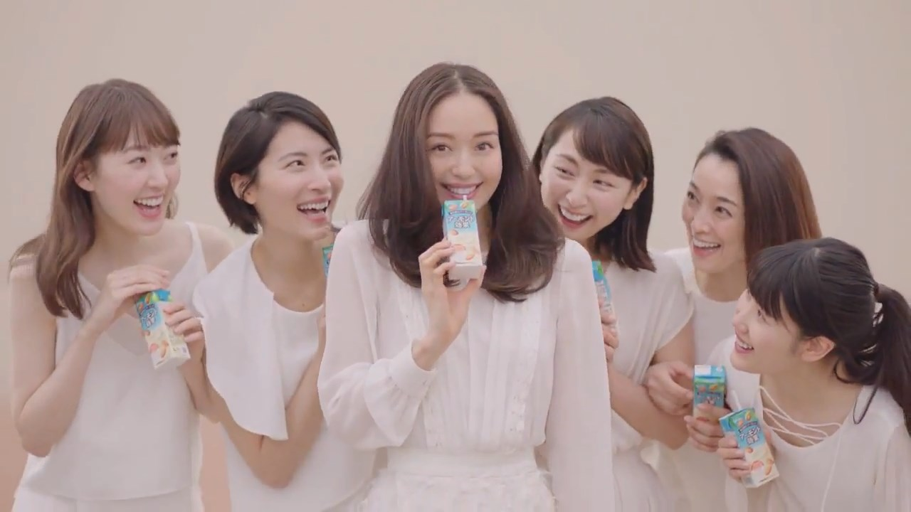 アーモンド効果「これからのミルク」篇 松島花 グリコCM