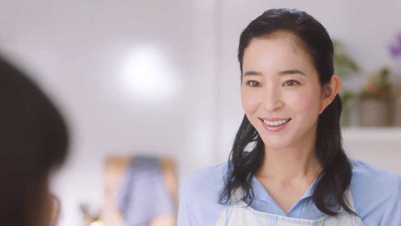 紺野千春 CM「純粋 生プラセンタ」なんかいい感じ篇