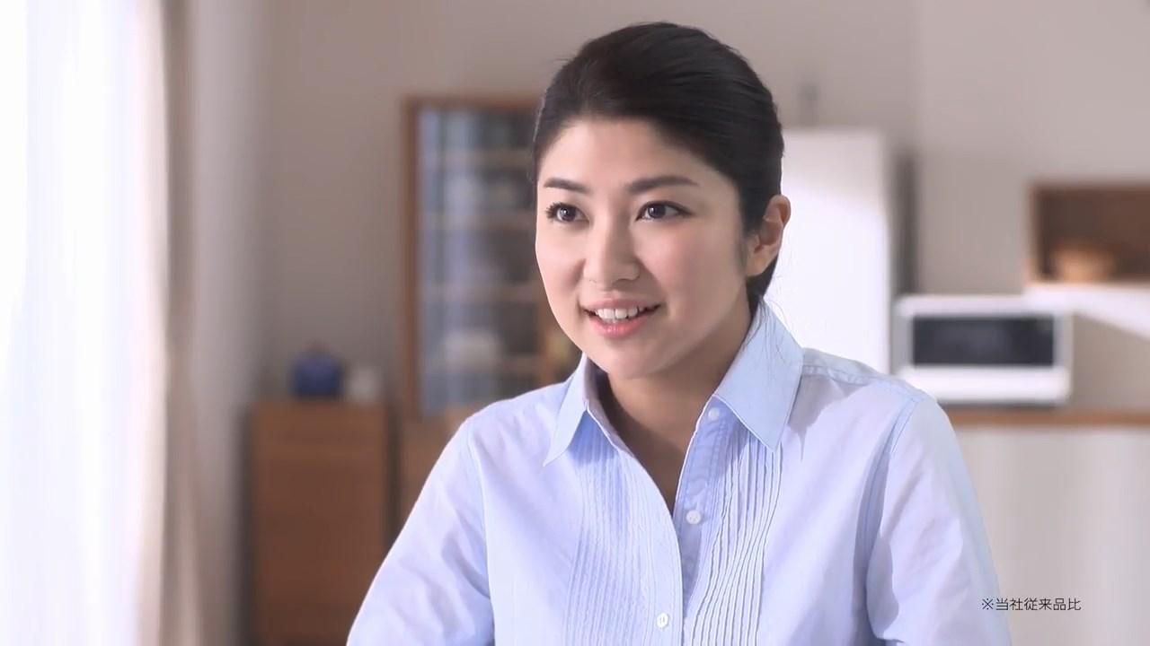 柳沢なな DHC CM「食べるサプリ 醗酵和漢満菜」インタビュー篇