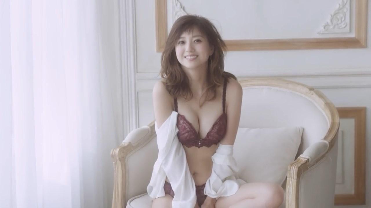 伊藤千晃 AMPHI(アンフィ)「グラマリッチブラ」