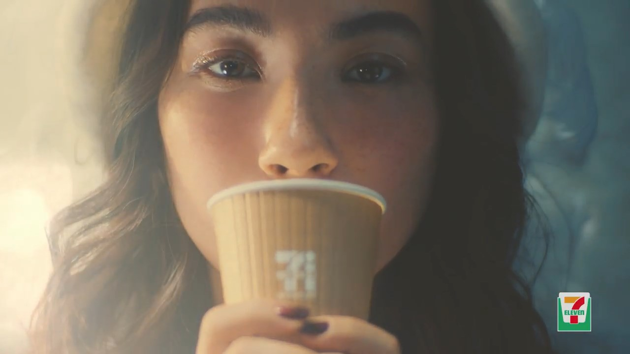 エモン美由貴 セブンカフェ カフェラテ