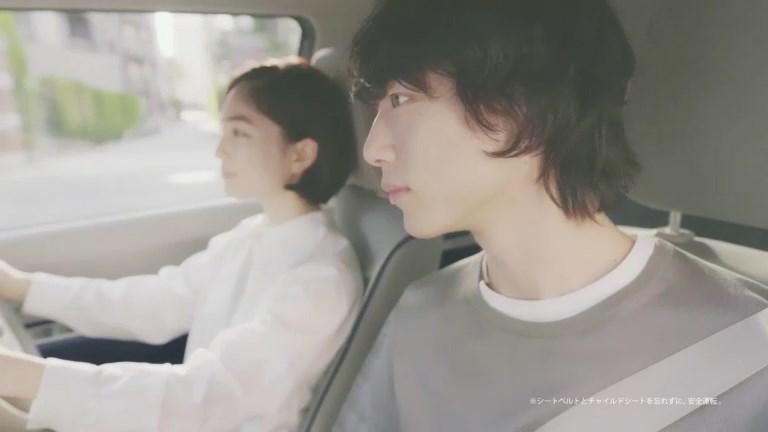 坂口健太郎 松本妃代 ラパン モード スズキ