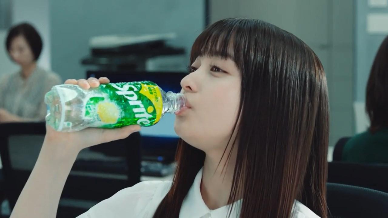 橋本環奈 CM スプライト「瞬間ダイブ」篇